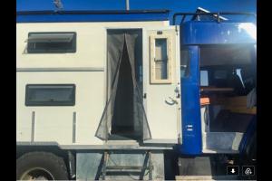 camion avec moustiquaire sur-mesure Tranquilisafe