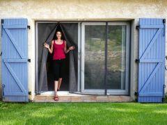 Moustiquaire ajustable aimantée pour baies vitrées avec 2 ouvertures aimantées