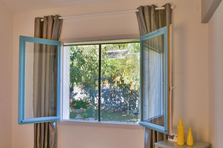 fenêtre grande ouverte avec moustiquaire Tranquilisafe